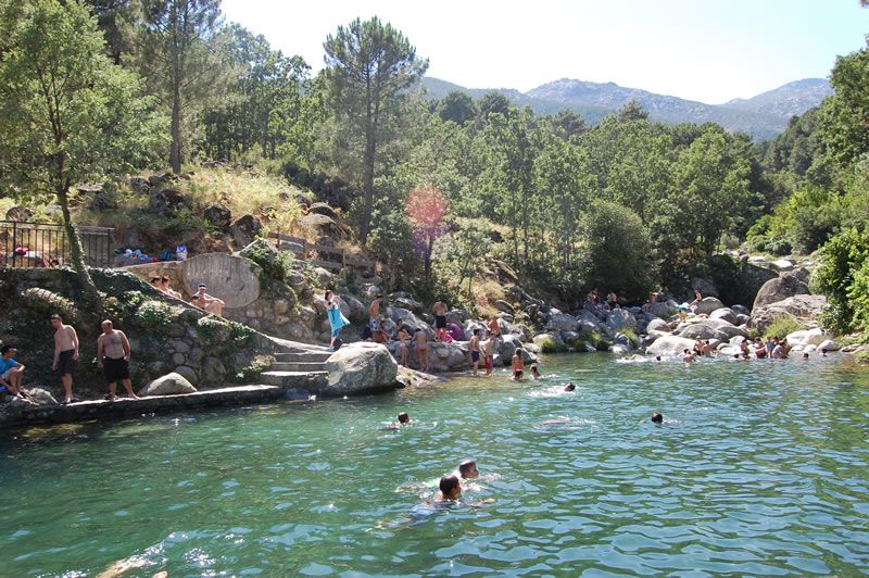 Verano keveran piscinas naturales for Piscinas naturales de arenas de san pedro