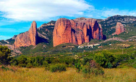mejores rincones naturales Aragón Mallos de Riglos